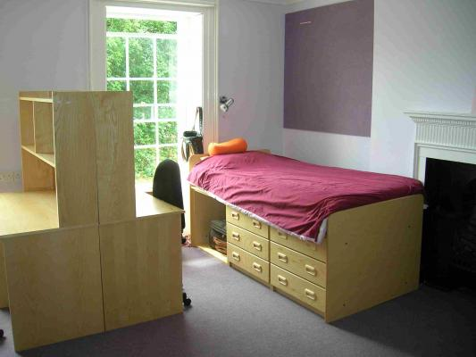 The study bedrooms provide comfortable residential accommodation
